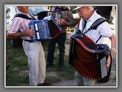 10.5 Accordion jam session, Fest Noz, Parce. Impromptu groups forming everywhere.