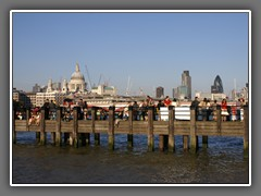 2.10 Thames, South Bank St Pauls and OXO jetty